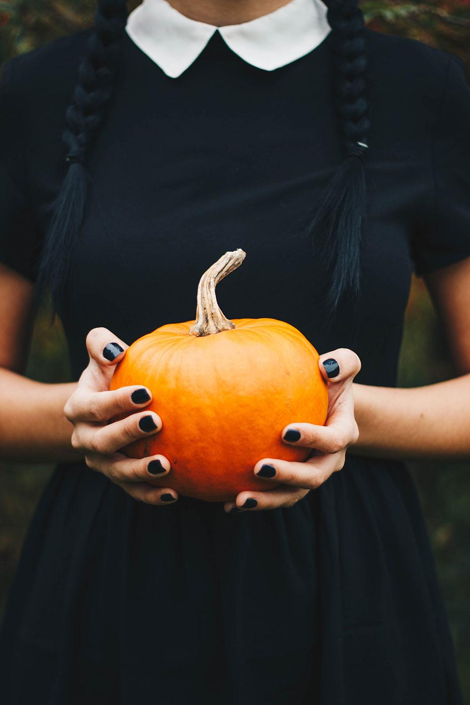 halloween manicures